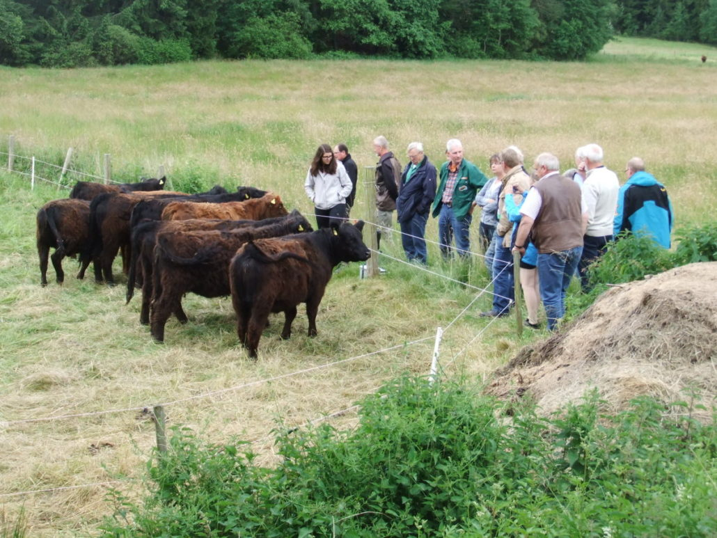 Die GIN-Mitglieder beim Nachwuchs vom Burgwald