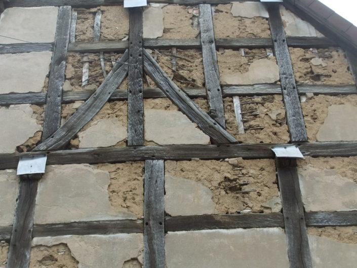 Renovierungsbedürftiges historisches Gebäude