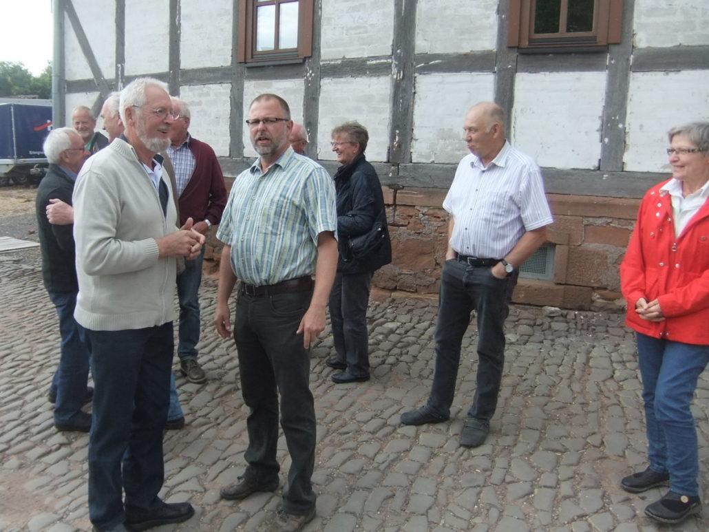 Die Begruessung der GIN-Mitglieder durch Manfred Möller